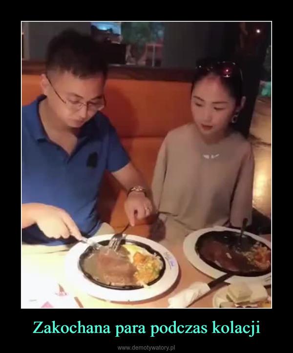 Zakochana para podczas kolacji –